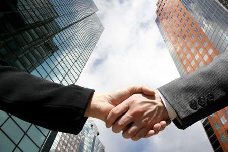 El corredor inmobiliario  y la obligación de verificar la calidad del vendedor: Reflexiones a la luz del nuevo Código Civil